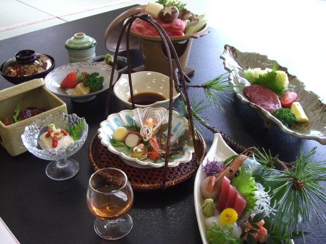 ファミリー・グループ得得♪【熊野牛&さしみ&露天45分】お食事処プラン♪