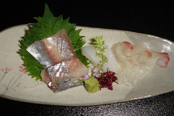 ホテル花飾璃では、地元でとれた新鮮な魚介類も人気です。安くて美味しくて、きっと満足していただけるでしょう